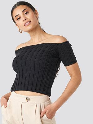 NA-KD Off Shoulder Ribbed Knitted Top svart