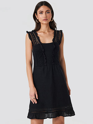 Mango Suity Dress svart