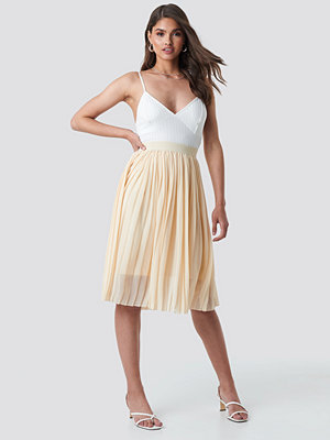NA-KD Midi Pleated Skirt beige