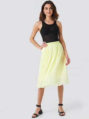 NA-KD Midi Pleated Skirt gul