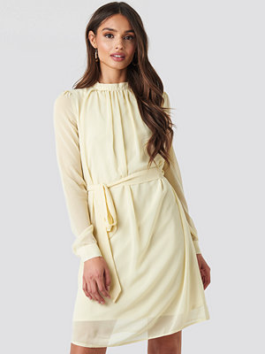 NA-KD High Neck Belted Chiffon Dress beige