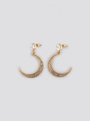 NA-KD Accessories smycke Pearl Moon Drop Earrings guld