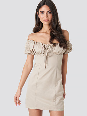 NA-KD Boho Tie Front Off Shoulder Mini Dress beige