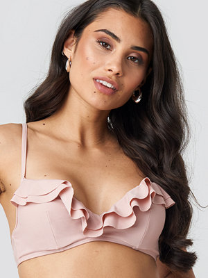Hanna Weig x NA-KD Ruffled Cup Bikini Top rosa
