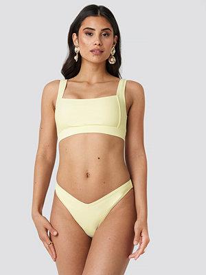 NA-KD Swimwear V Shape Front Bikini Bottom gul