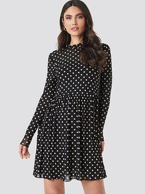 NA-KD Mesh Dot Dress svart