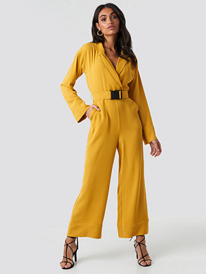 Jumpsuits & playsuits - Hoss x NA-KD Belted Wrap Front Jumpsuit gul
