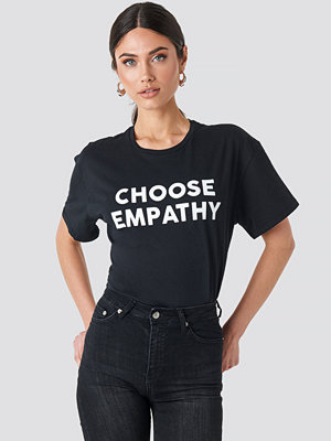Trendyol Empathy Tee svart