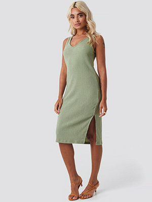 NA-KD V-neck Structured Jersey Dress grön