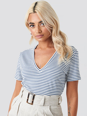T-shirts - Trendyol V-Neck Striped Tee blå