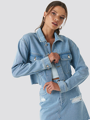 NA-KD Raw Hem Denim Jacket blå