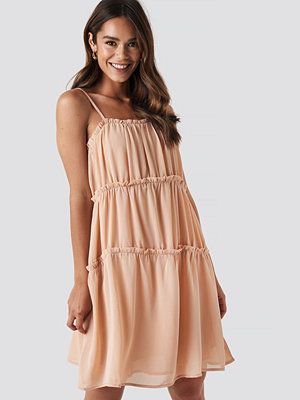 NA-KD Boho Thin Strap Tiered Mini Dress rosa