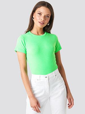 Trendyol Neon Basic Tee grön