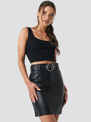 NA-KD Party Faux Leather Belted Mini Skirt svart