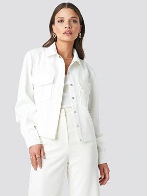 Emilie Briting x NA-KD Front Pocket Jacket vit