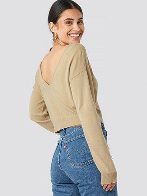 NA-KD Back V-neck Cropped Sweater beige
