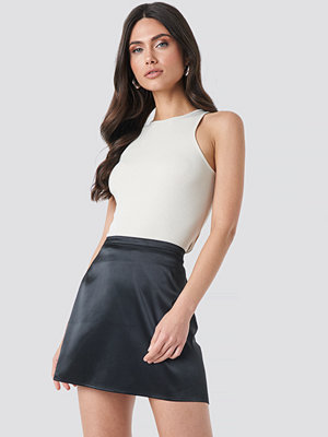 NA-KD Trend Satin Mini Skirt svart