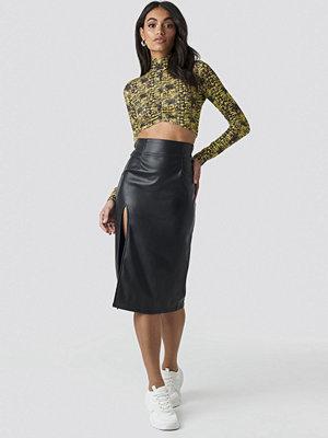 Hoss x NA-KD Slit Detail PU Skirt svart