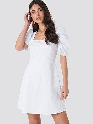 NA-KD Boho Square Neckline Puff Sleeve Mini Dress vit