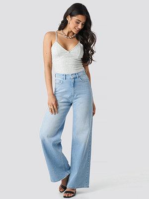NA-KD High Rise Flare Jeans blå