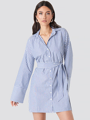 NA-KD Classic Striped Shirt Mini Dress blå