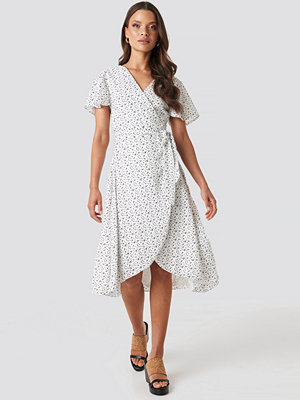 XLE the Label Laura Overlap Midi Dress vit