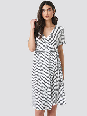 NA-KD Striped Overlap Dress multicolor