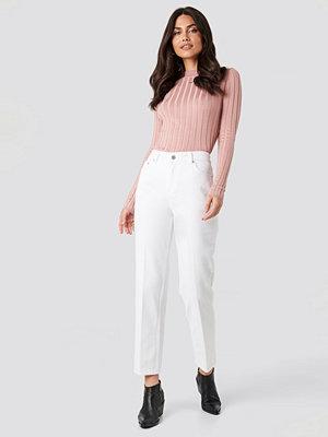 NA-KD Trend Front Pleat Jeans vit
