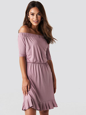 NA-KD Off Shoulder Jersey Dress rosa