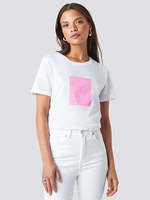 T-shirts - NA-KD Trend Body Printed Tee vit