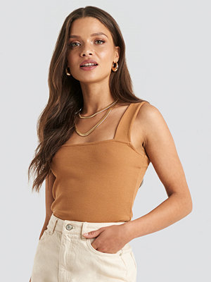 NA-KD Trend Square Neck Wide Strap Top brun