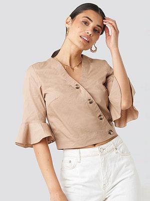 NA-KD Flounce Sleeve Buttoned Blouse beige