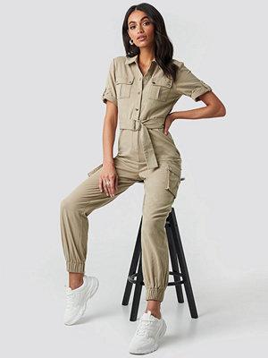 Jumpsuits & playsuits - Hoss x NA-KD Belted Cargo Jumpsuit grön