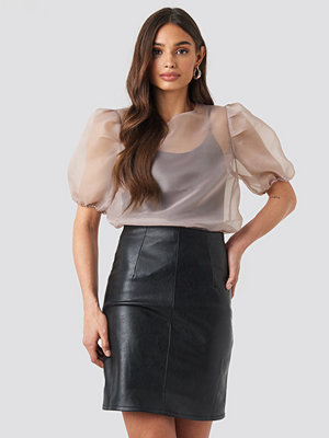 NA-KD Trend High Waist Short PU Skirt svart
