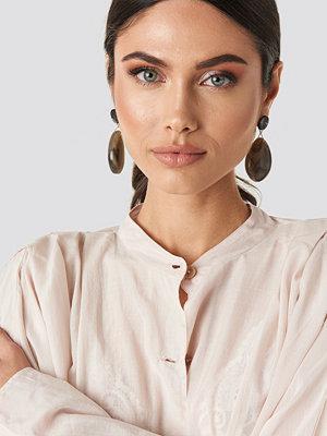 NA-KD Accessories smycke Resin Drop Earrings beige
