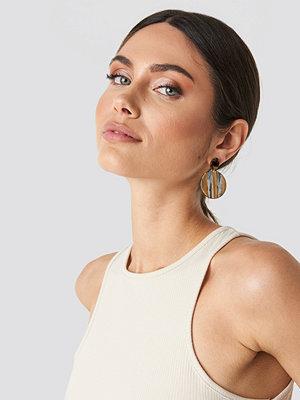 NA-KD Accessories smycke Striped Resin Earrings brun