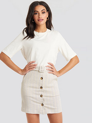 NA-KD Classic Belted Mini Skirt vit