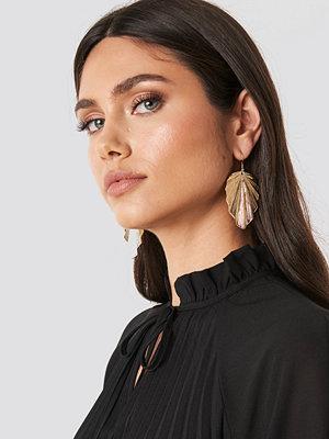 NA-KD Accessories smycke Big Leaf Drop Earrings guld