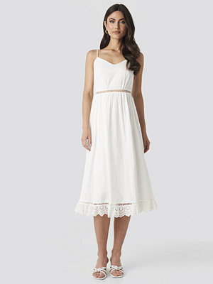 Trendyol Embroidery Details Midi Dress vit