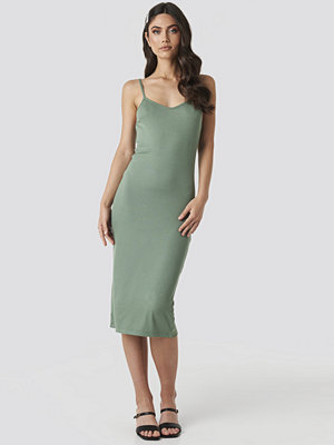 NA-KD Ribbed Jersey Midi Dress grön