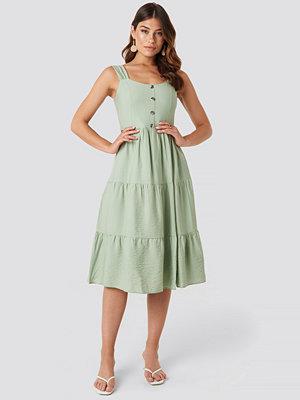 Trendyol Yol Buttoned Midi Dress grön