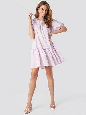 NA-KD Trend Structured Tiered Mini Dress lila