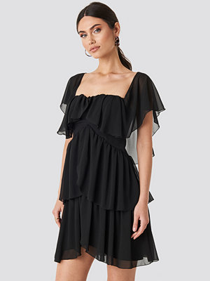Trendyol Carmen Neckline Mini Dress svart