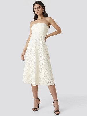 Trendyol No Shoulder Lace Midi Dress vit