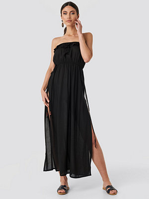 Trendyol Strapless Frilly Viscose Beach Dress svart