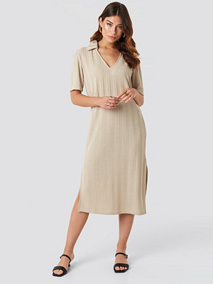 NA-KD Trend Collar V Front Knitted Dress beige