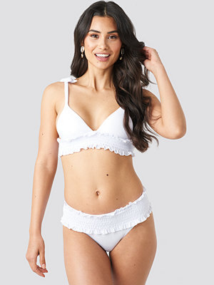 Hot Anatomy Ruffle Brazilian Panty vit