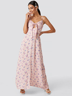 NA-KD Front Tie Floral Maxi Dress rosa