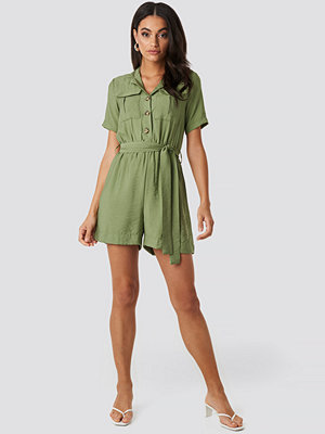 Trendyol Belted Pocket Detailed Playsuit grön