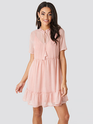 NA-KD Boho Short Sleeve Flowy Mini Dress rosa